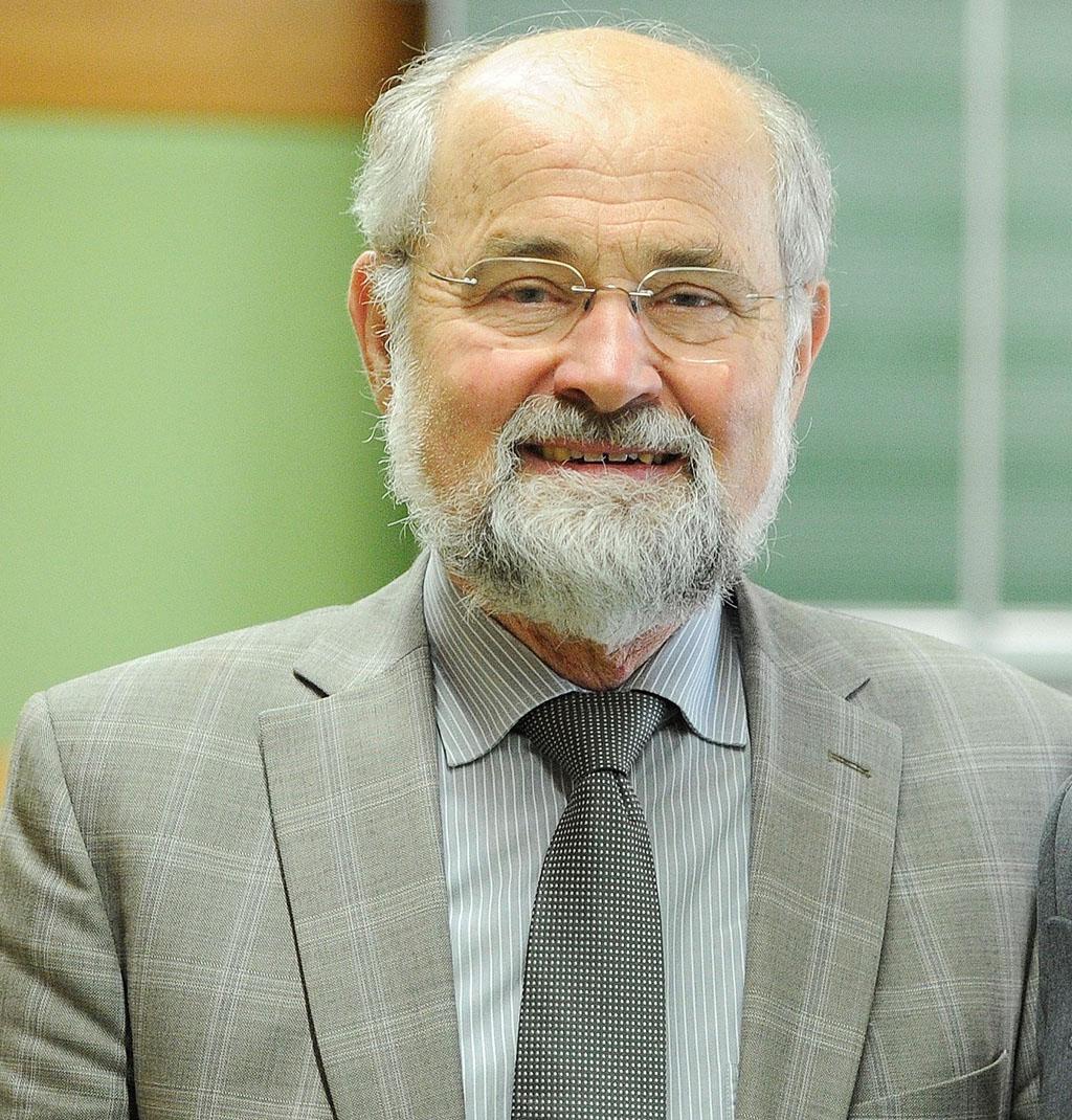 Portrait photograph of Professor Erwin Neher