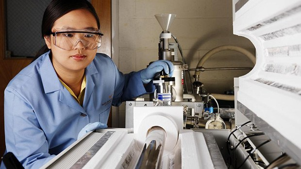 Scientist Jie Xiao working on the development of lithium ion and lithium air batteries.