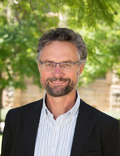 Professor Jozef Gécz