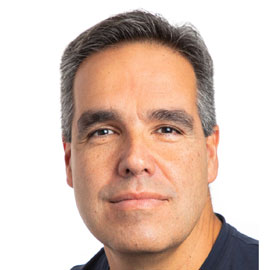 Professor Miguel E. Quiñones-Mateu